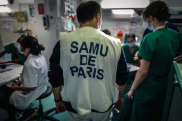 Francia estudia aplicar restricciones por coronavirus hasta abril de 2021