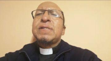 El padre Miguel Albino muestra a un Jesús diferente
