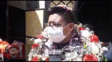Entregan casetas a vendedores de pastillas en Potosí