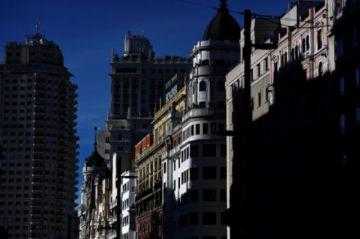 Regiones españolas presionan al gobierno para declarar estado de alarma