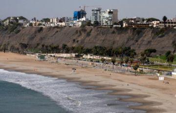 Perú vive su primer domingo desconfinado en siete meses de pandemia