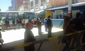 Familia bloquea el puente internacional Bolivia-Argentina