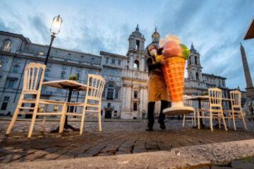 Francia se prepara para nuevas medidas contra el coronavirus, que provocan protestas en Italia