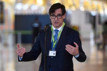 España: Ministro de Sanidad se disculpa por asistir a un evento social en plena pandemia