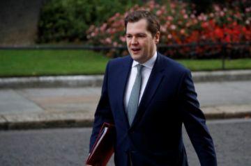 Gobierno británico se resiste a un confinamiento nacional pese a la presión