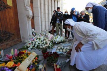 """""""Digan a mis hijos que los amo"""", las últimas palabras de brasileña víctima de ataque en Niza"""
