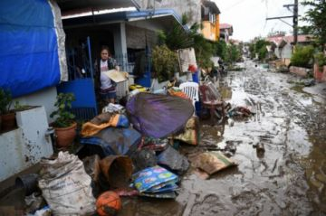 Tifón Goni mata a 20 personas y destruye decenas de miles de casas en Filipinas