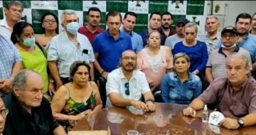 Dirigentes cívicos cruceños denuncian que fueron tomados como rehenes
