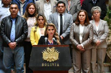 Jeanine Áñez exhorta al nuevo Gobierno a mantener bonos entregados durante su gestión