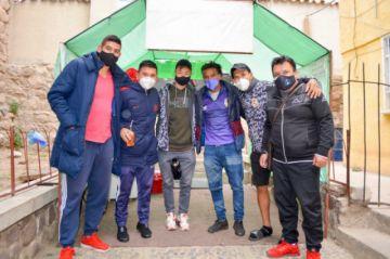 Jugadores de Real Potosí comparten sus experiencias con adolescentes del Centro Nuevos Horizontes