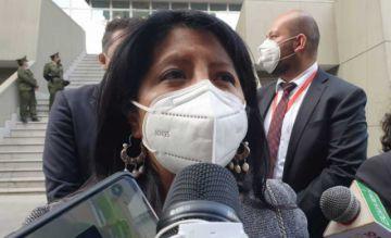 """Nadia Cruz: """"Por fin, después de 11 meses, un gobierno legítimo, muy felices como Defensoría"""""""