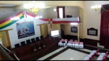 Sesión de honor por el aniversario cívico se pospuso para la 16:00