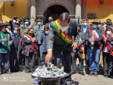 Arce y Choquehuanca abandonaron Potosí tras la ofrenda a la Pachamama