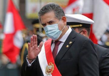 Jefe del Congreso asume como presidente de Perú en medio de protestas