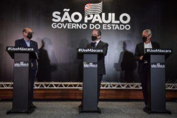 La batalla política por la vacuna se recrudece en Brasil