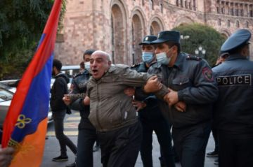 La oposición armenia se moviliza contra la tregua