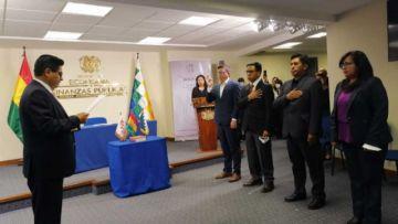 Posesionan a viceministros en el Ministerio de Economía