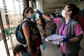Chile reabre su frontera aérea a turistas después de ocho meses
