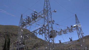 Gobernación entrega obra de electrificación en Yocalla