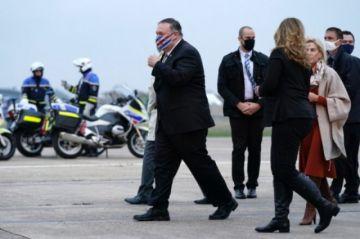 Macron recibió a Pompeo pero con la mirada puesta en Biden