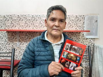 Periodista presenta un libro de relatos