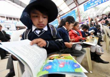 Ministro de Educación plantea clases semipresenciales para el periodo escolar 2021