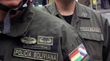 Investigan a policías involucrados en el robo de la libreta militar de Evo Morales