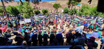 Celebran autonomía indígena de Yura con baile
