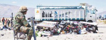 Militares interceptan nueve camiones con contrabando en Oruro