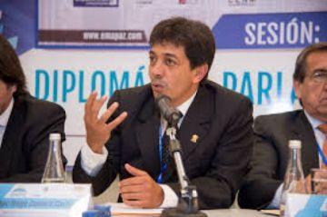Hay orden de aprehensión contra el exministro de Hidrocarburos, Víctor Hugo Zamora
