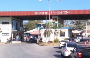 Fiscalía pedirá detención preventiva para tres funcionarios de Migración