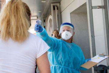 EEUU se repliega ante escalada del virus, mientras Europa comienza a relajar restricciones