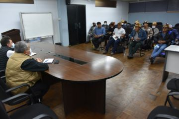 El ministro de Minería se reunió con cooperativistas mineros de Potosí