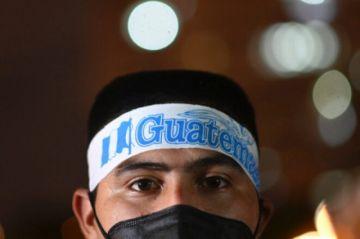 Congreso de Guatemala busca salida a crisis que tiene en jaque a Giammattei