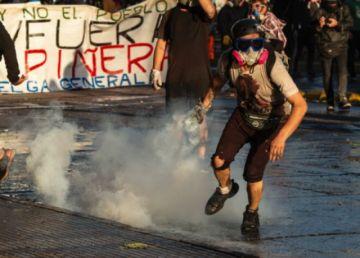 Miles vuelven a protestar en Chile para pedir la renuncia de Piñera