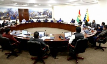Arce anuncia medidas para dinamizar la economía y evitar rebrote Covid-19