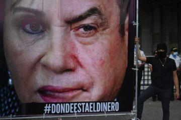 """La """"revolución de los frijoleros"""" pide renuncia de presidente de Guatemala"""