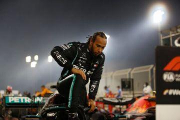 Hamilton da positivo al covid-19 y no estará en el GP de Sakhir