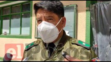 Policía en Potosí realiza controles migratorios y de documentación