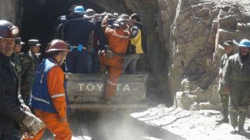 Un accidente en mina de Huanuni deja un minero fallecido y otro herido grave