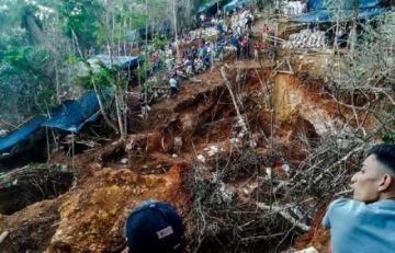 Derrumbe en mina artesanal en Nicaragua deja al menos 10 atrapados