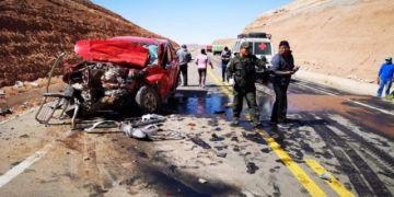 Colisión de vehículos deja un muerto y cuatro heridos en la carretera Potosí Uyuni