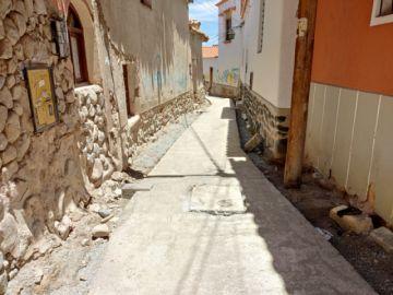 Ponen cemento a la Calle de las Siete Vueltas