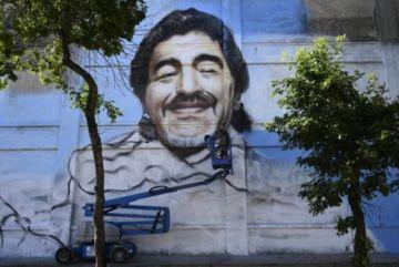 San Diego Maradona, patrono de los artistas tiene su mural en La Boca en Argentina