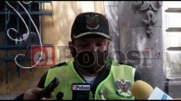 Choque triple en avenida Las Banderas deja a una persona herida