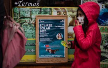 Nubes y lluvia amenazan con dejar a Chile sin ver eclipse total de sol