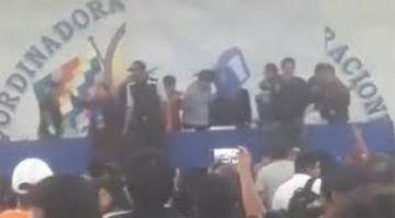 En medio de abucheos, una silla llega a la cabeza de Evo Morales en elección de candidatos del MAS