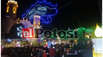 Alcaldía inauguró la iluminación navideña en la Plaza 10 de Noviembre