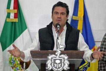 Asesinan en el baño de un restaurante a un exgobernador de México