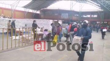 Entregan con normalidad la canasta estudiantil en Potosí